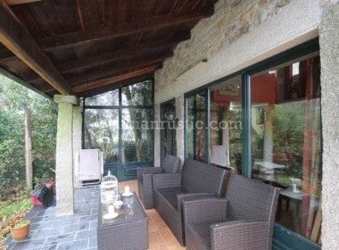 Guitiriz-terraza-porche