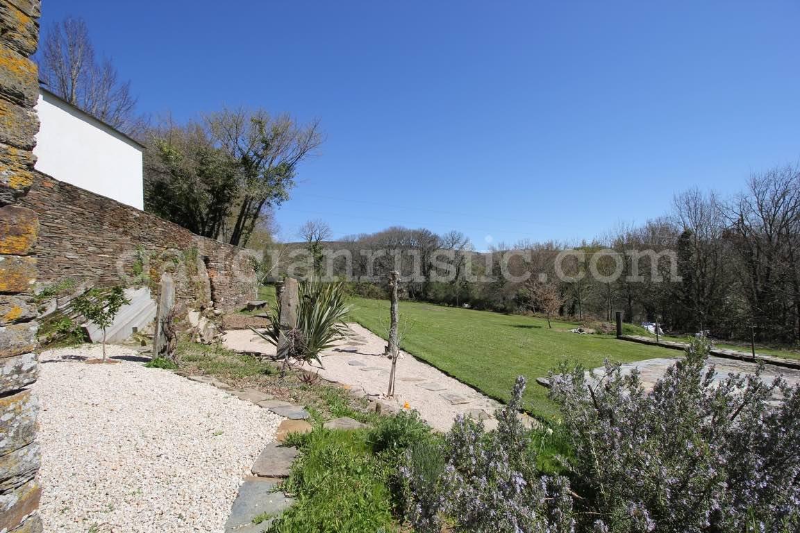 Sarria-jardin-2